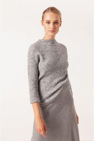 Sweter z dodatkiem wełny