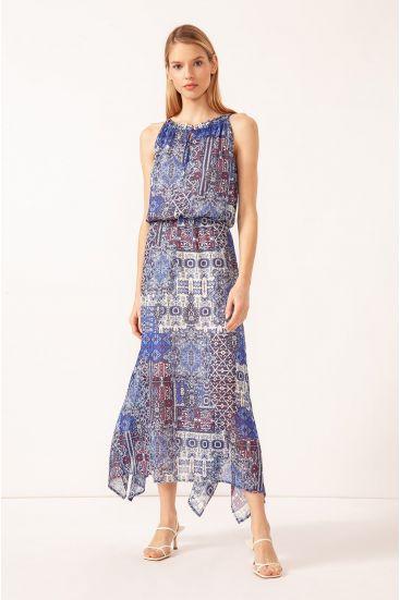 Sukienka z dekoltem typu halter