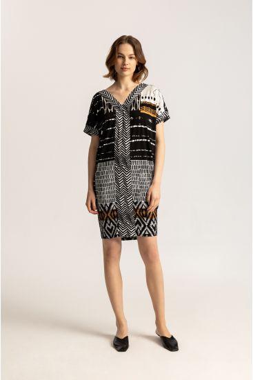 Sukienka ze wzorem batik
