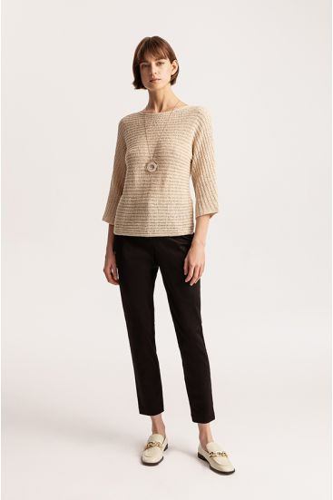 Sweter o strukturalnym splocie
