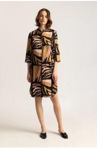 Satynowa sukienka koszulowa